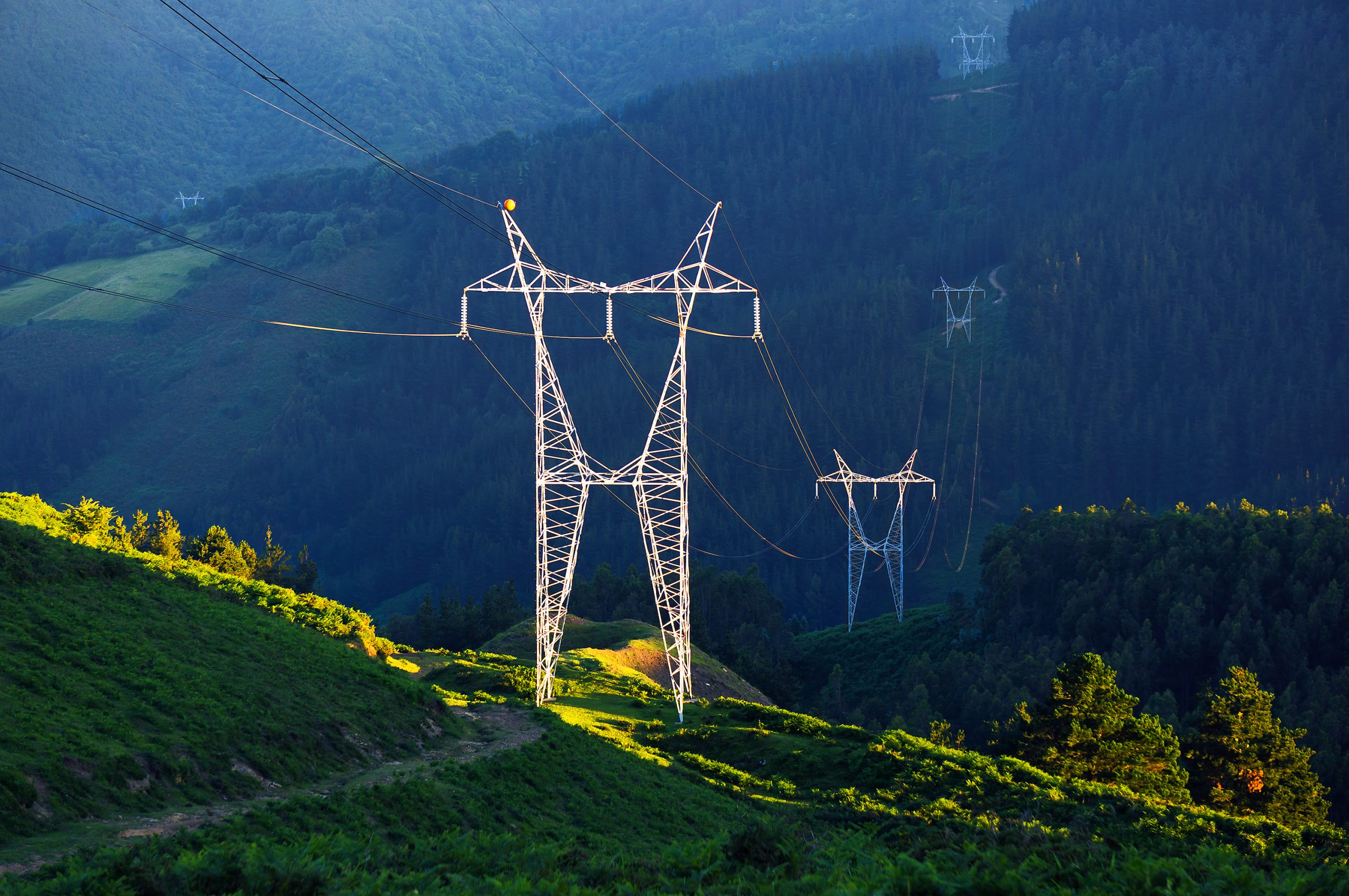 Advancing the Utilities Industry Through Digital Transformation overlay image